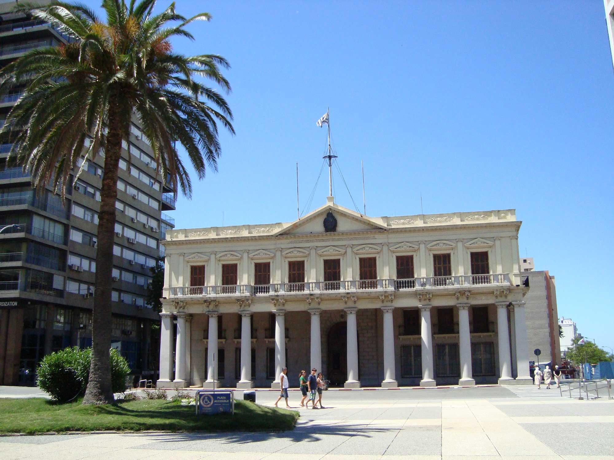 Palácio Estévez - Pontos Turisticos Montevideo