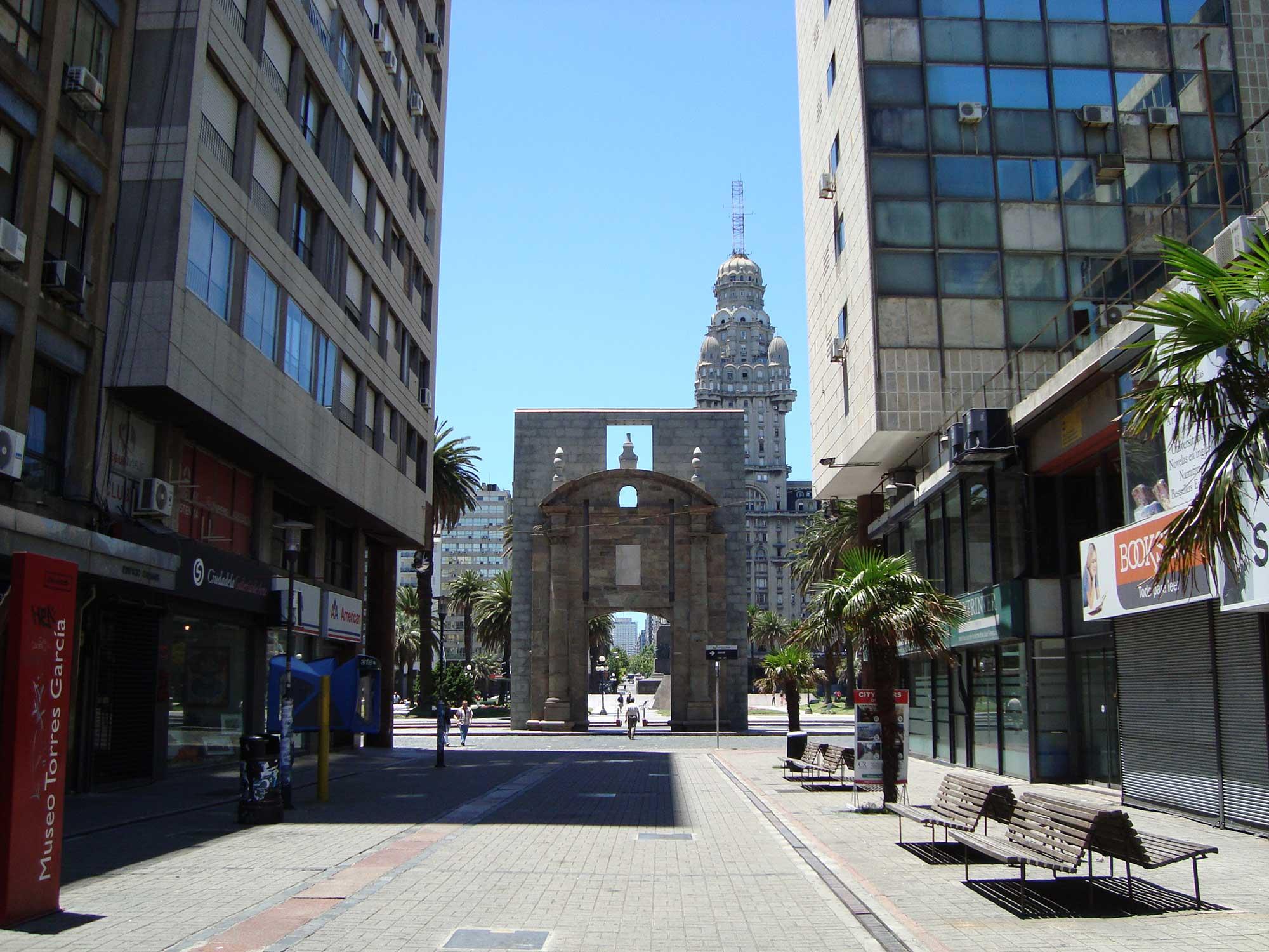 Portal de entrada Cidade Velha Montevideo