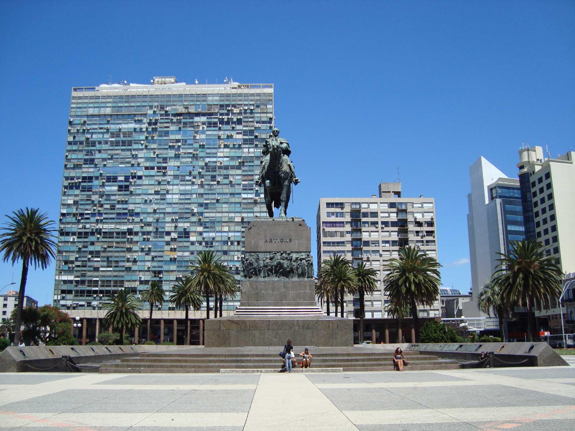 Monumento em homenagem a Artigas