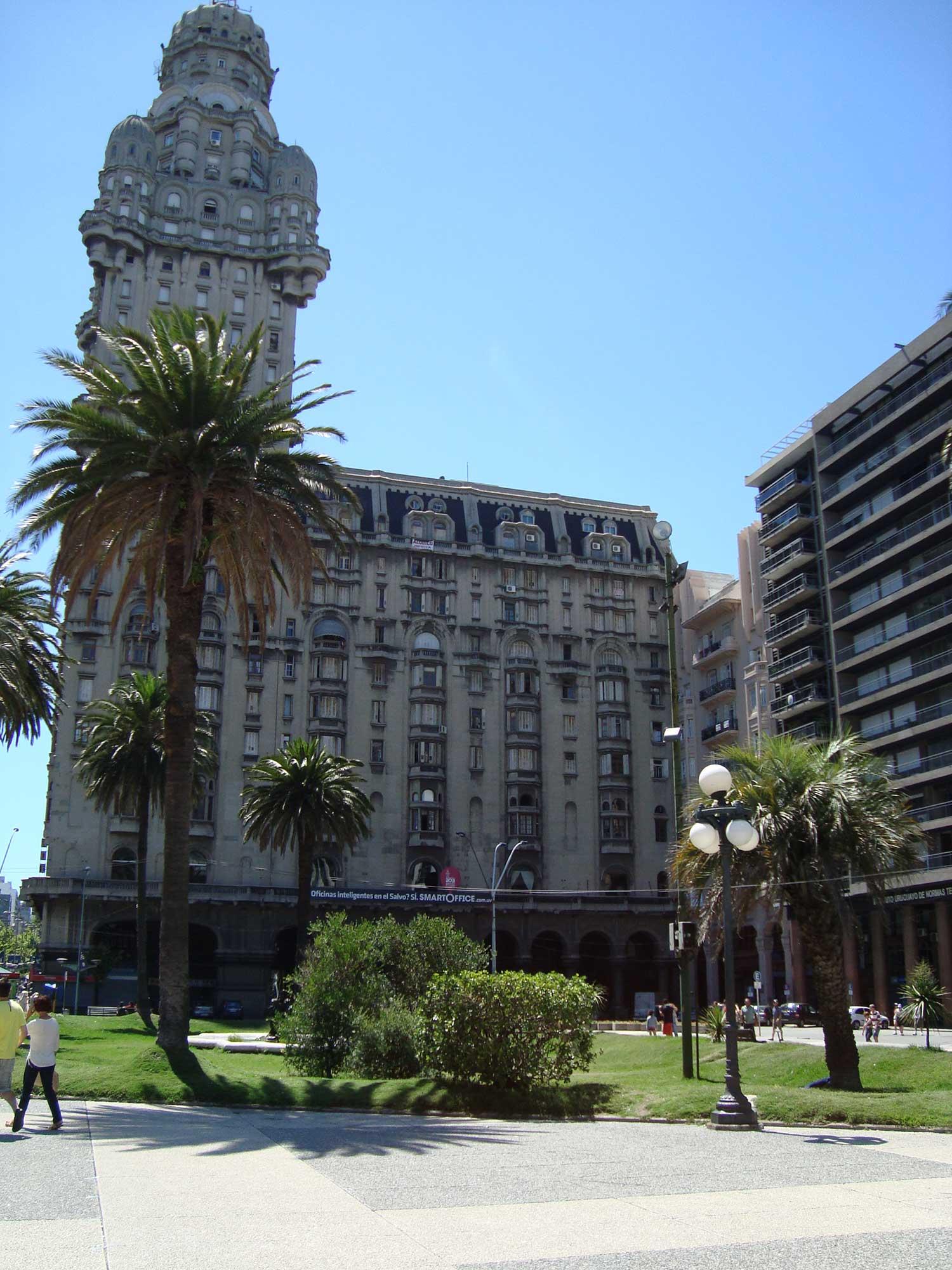Palácio Salvo - Ponto Turistico Montevideo
