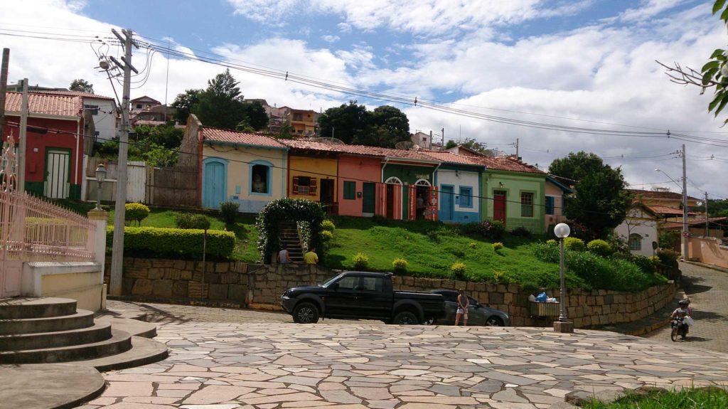 Lojinhas coloridas - São Luiz do Paraitinga