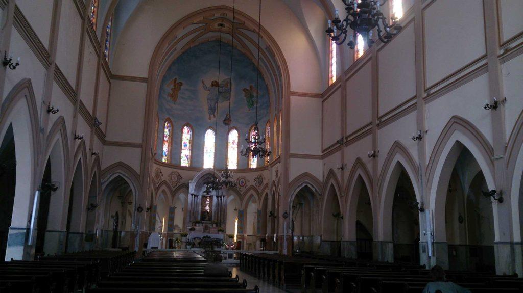 Interior da Igreja Nossa Senhora de Monte Serrat