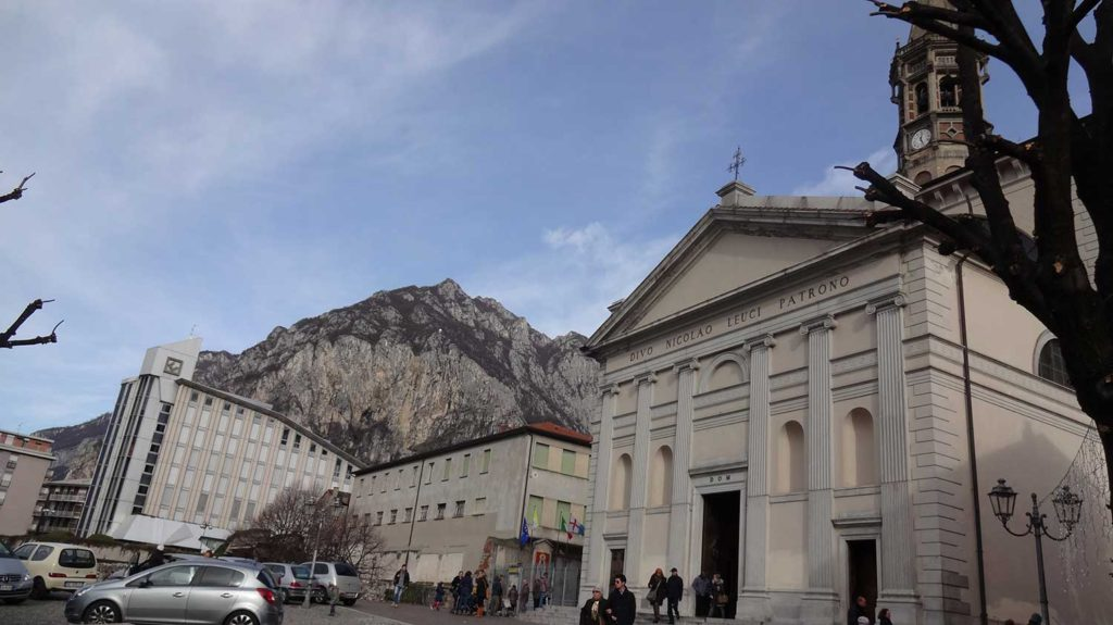 Lecco - Bate volta na Itália