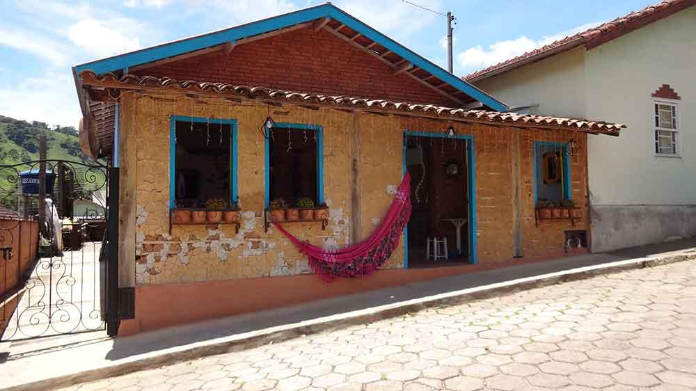 Loja de Artesanato - Gonçalves - Cidades de Minas Gerais