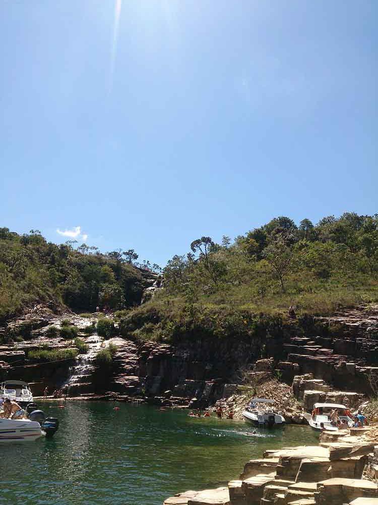 Parada Lagoa Azul e Bar Flutuante - Capitólio