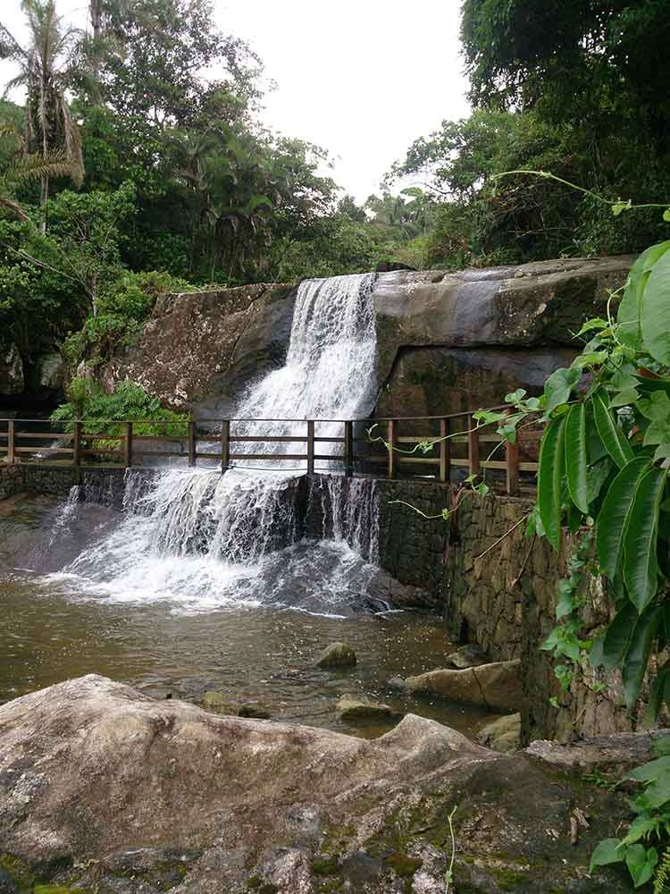 Cachoeira da Praia de Iporanga