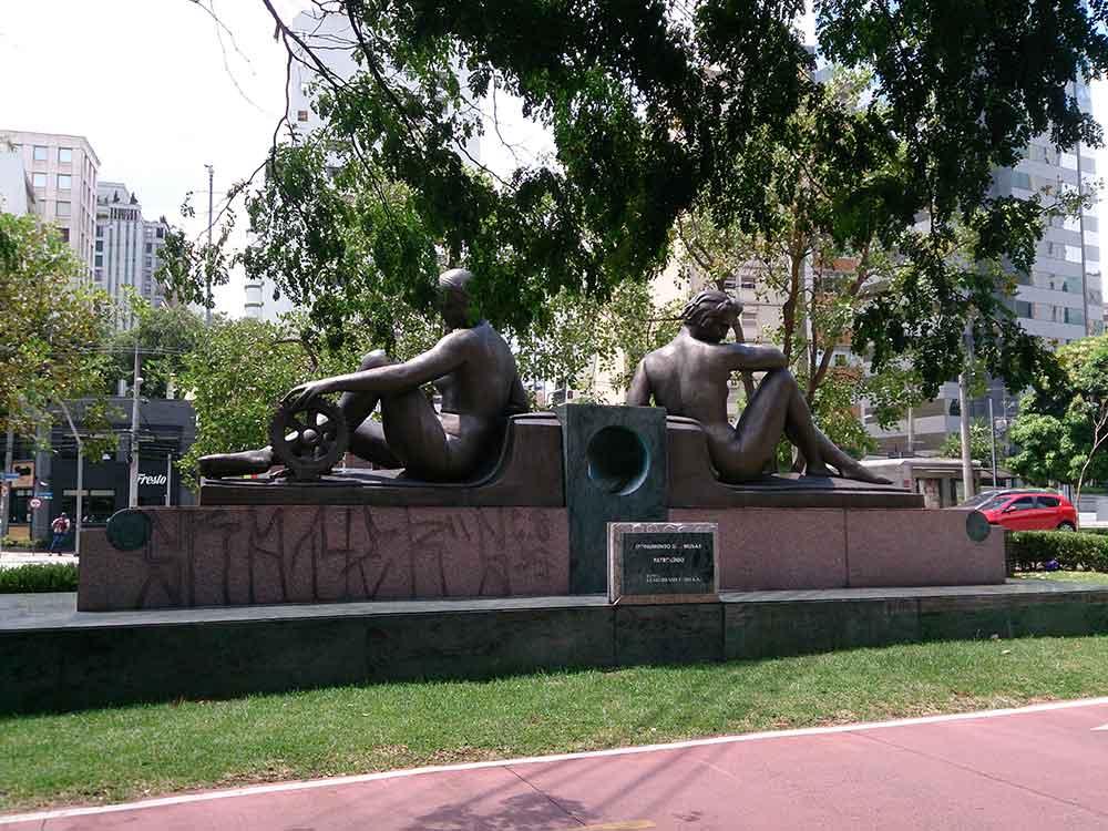 Monumento das Musas - Passeio Ciclístico