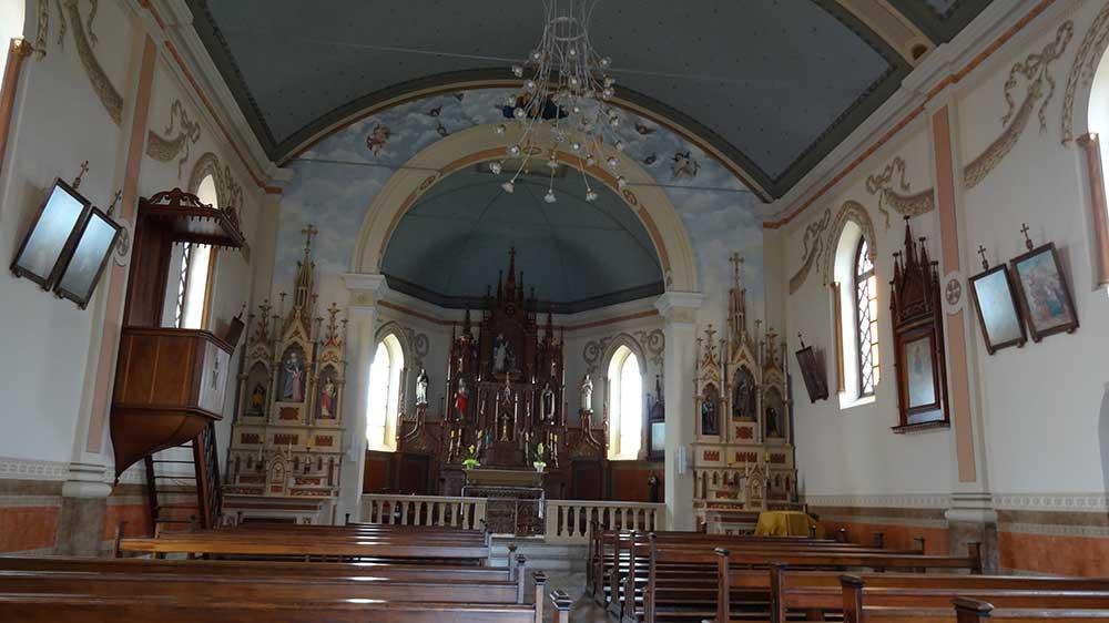 Interior do Santuário Antigo de Nossa Senhora de Caravaggio