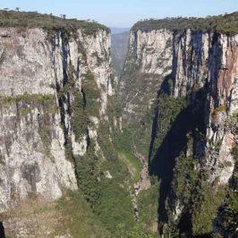 Canyon Itaimbezinho e Canyon Fortaleza, lugares lindos em Cambará do Sul