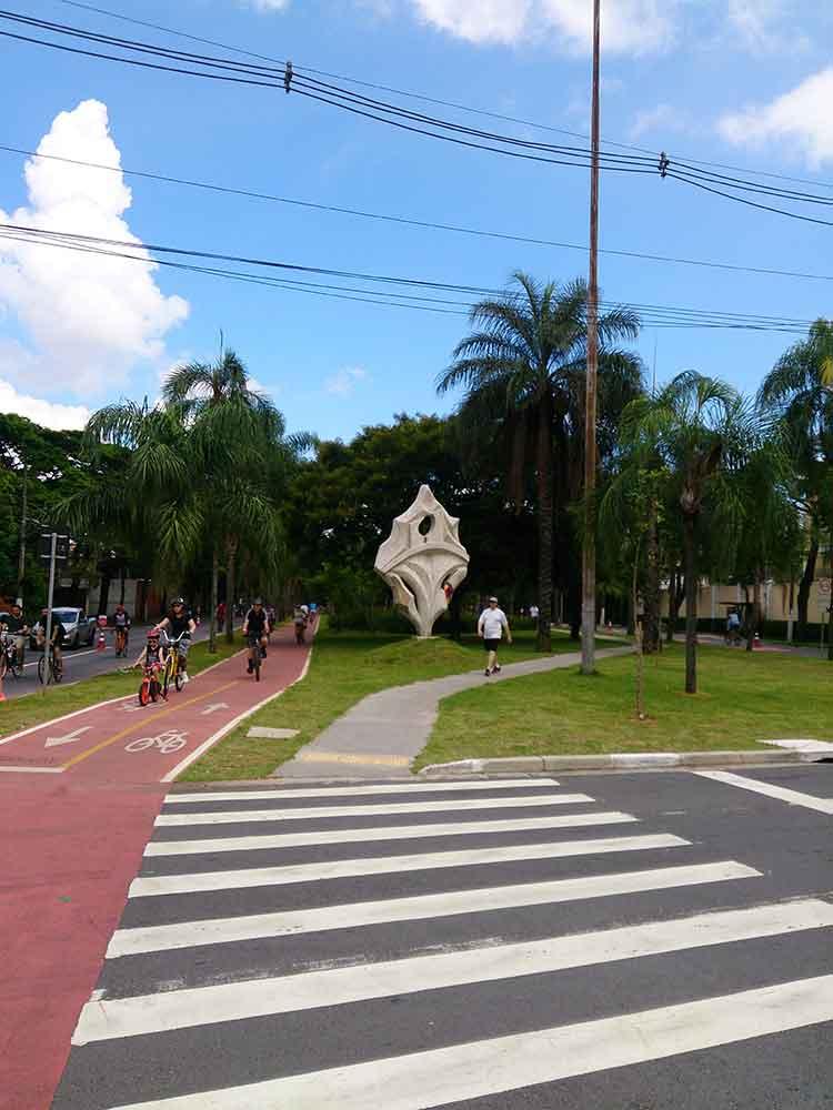 Centro de São Paulo - Ciclovia com Ciclofaixa ao lado