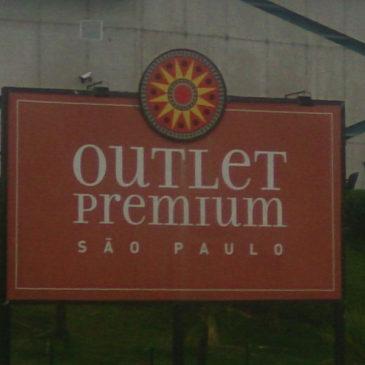 Outlet Premium, vale a pena as compras versos a distância?
