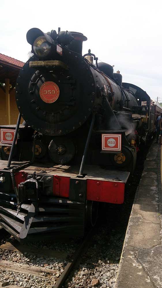 Locomotiva 353 - Velha Senhora Guararema