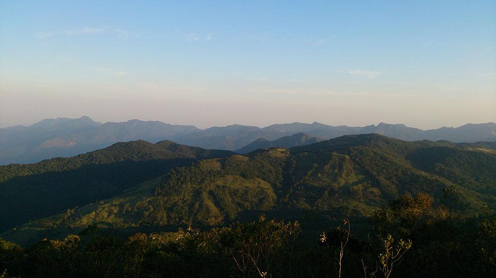 Pedra da Macela - Vista das Montanhas