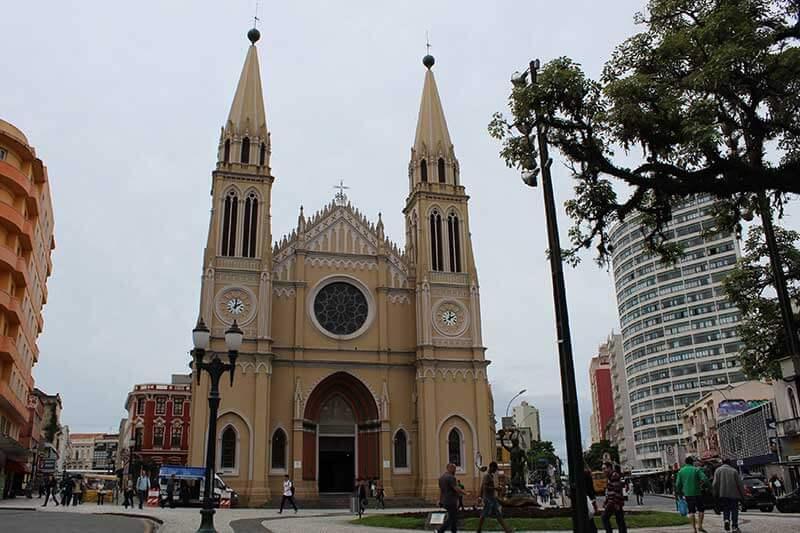 Catedral Basílica Nossa Senhora da Luz - Lugares para ir em Curitiba