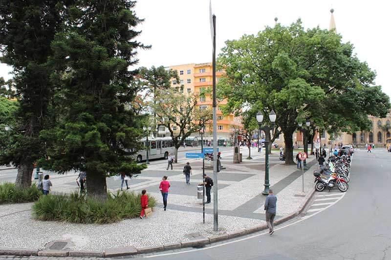 Praça Tiradentes - Lugares para ir em Curitiba