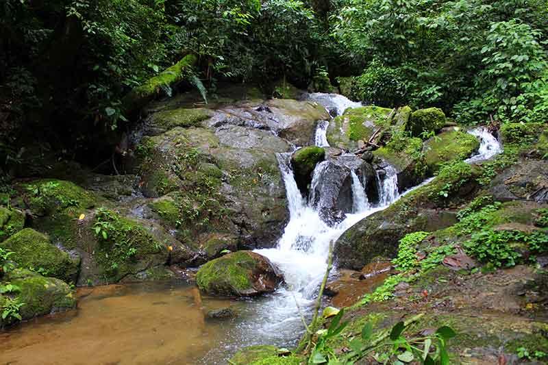 Cachoeira Complexo Pouso do Rochedo - São Francisco Xavier SP