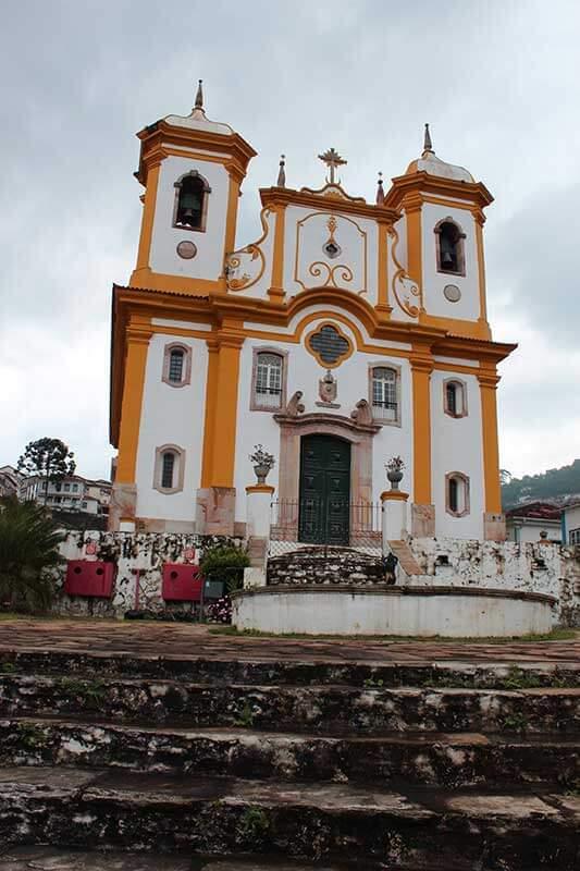 Igreja Matriz Nossa Senhora da Conceição - Turismo em Minas Gerais