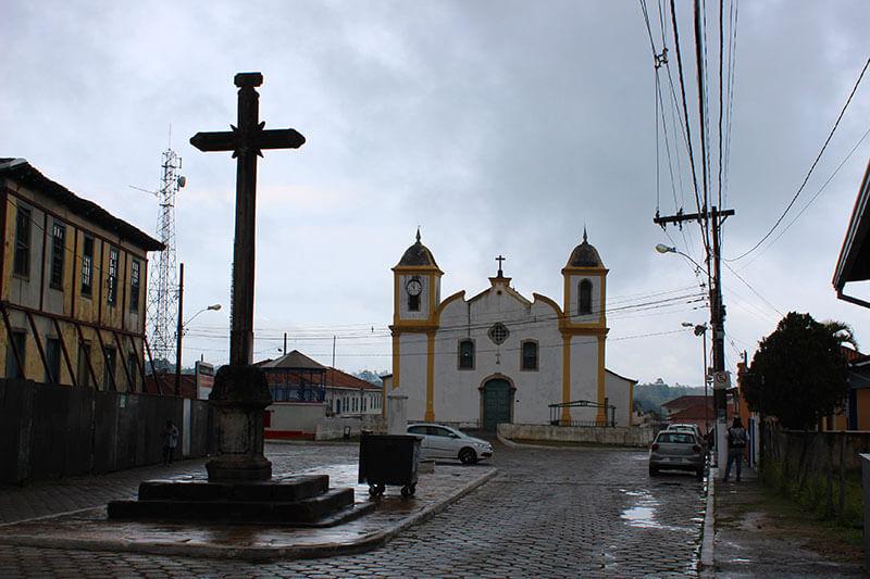 Matriz Nossa Senhora de Nazareh - Turismo em Minas Gerais