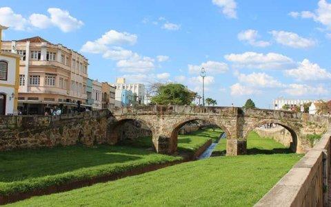 Ponte de Pedra ou Ponte da Cadeia - O que fazer em São João Del Rei