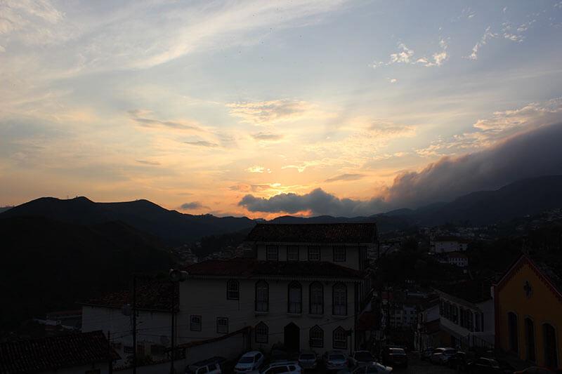 Por do Sol Igreja Nossa Senhora do Carmo - Passeios em Ouro Preto