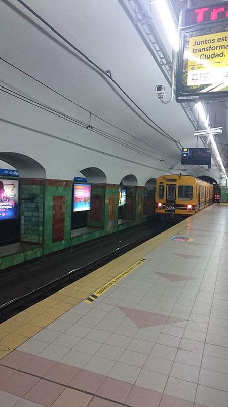Estação Metrô Linha C - Buenos Aires