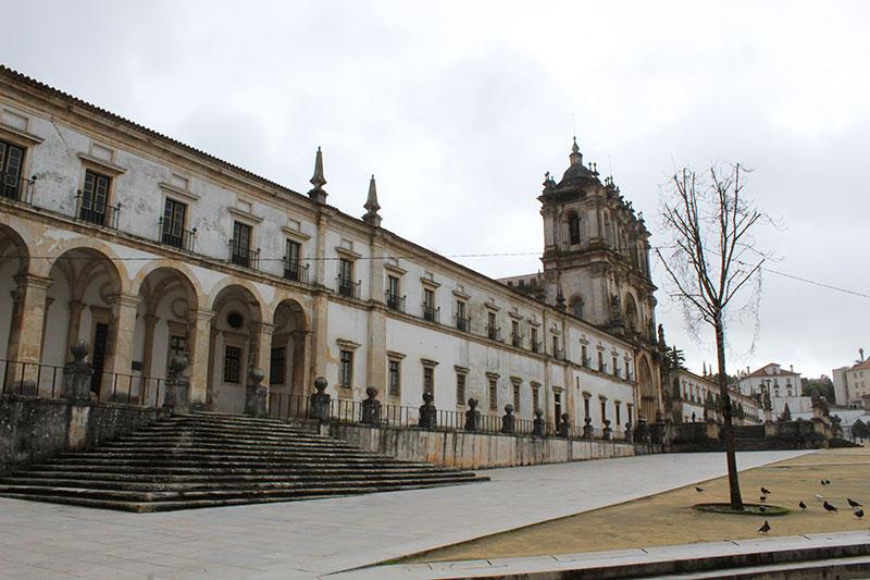 Mosteiro de Alcobaça - Alcobaça - Quanto custa uma viagem para Portugal