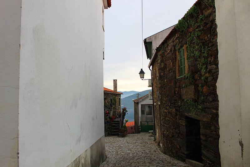 Aldeia de Provesende - Vale do Rio Douro