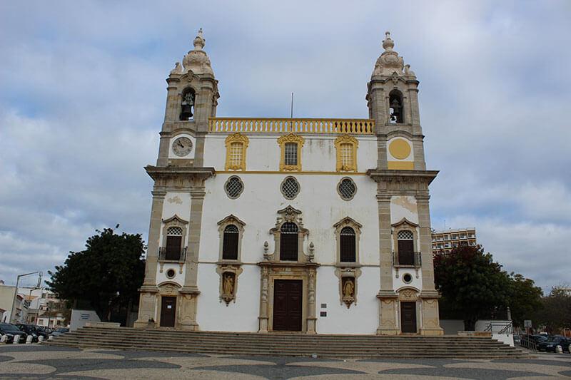 Igreja do Carmo e Capela dos Ossos